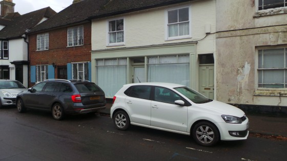 This lock-up shop/office provides a total of approximately 306 sq ft, including a sales/office area of just under 290 sq ft and a rear store of around 18 sq ft. It is decoratively finished to a good standard, benefitting from a timber laminate floor...