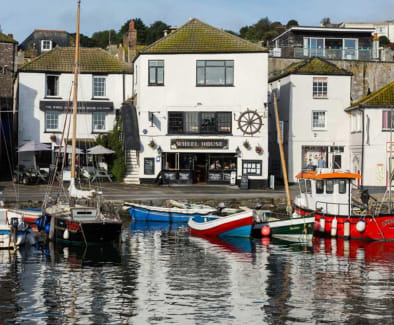 Freehold/Leasehold Detached Restaurant & Guest House On The Harbour Front In The Picturesque Village Of Mevagissey For Sale\n\n(Owners Apartment Over Looking The Harbour)\n\nPrime Location\n\nRef 2353\n\nLocation\n\nThis stunning Restaurant & Guest H...