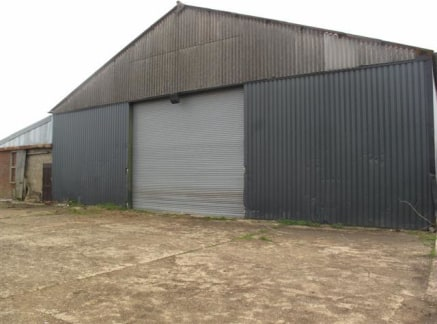 We are pleased to offer this WAREHOUSE unit to let. Situated on the outskirts of Chelmsford, the unit benefits from having AMPLE PARKING onsite and easy access to A414. The site securely gated with CCTV. The unit benefits from having THREE PHASE POWE...