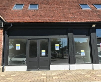 "<p>15 retail units in a prominent location in Uckfield, East Sussex, with office space above. &nbsp;Onsite visitor car parking is available.</p><ul>  <li class=""p1"">Prominent new retail unit</li>  <li class=""p2"">Newly refurbished</li>  <li class=""p2""..."