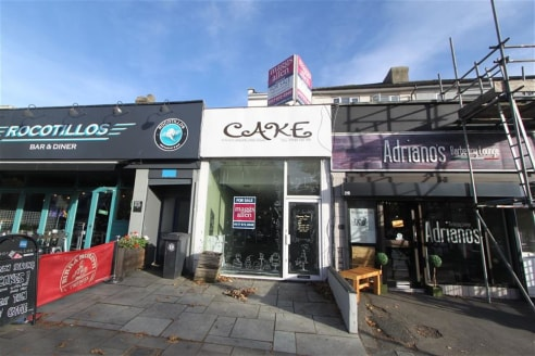 ***FREEHOLD EXTENDED SHOP & LARGE 2 BED MAISONETTE***  Extremely rare opportunity to purchase a vacant freehold property on the popular and very sought after Gloucester Road. The extended shop boasts some 785sqft with additional courtyard. The proper...