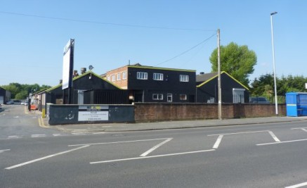 A 5250 sqft first floor warehouse/studio space currently under full refurbishment, set at the front of this busy and popular business park in Great Sankey\n\nUnit 3d is situated on the first floor and accessible via a stairwell. There is a vast 3260....