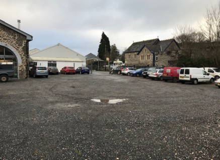 A well located detached garage premises situated in the centre of Ashburton, measuring some 4,000 sq ft including some office space / reception area. The garage was originally constructed during the 1960s and the current owners have been in occupatio...