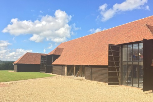 The Barn is a beautifully crafted Kentish barn constructed using locally sourced oak and traditional hand made clay Kent peg tiles. An impressive double height entrance provides access to the north and south wings, including the ground floor in-house...