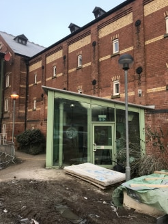 The premises provide the opportunity to let a lock up cafe/coffee shop/restaurant premises which provide a Total Net Internal Floor Area of 695 ft sq(64.6 m sq). The property also benefits from shared use of toilet facilities that are fully DDA Compl...