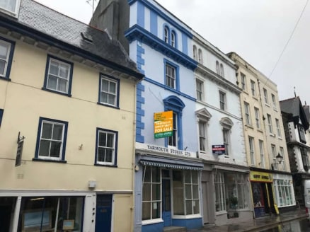 An impressive and substantial period property located in a prime trading position at the eastern end of Southside Street in the heart of Plymouth's historic Barbican area   This is a rare and substantial retail and residential property vacant for the...