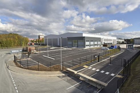 New High Bay Distribution Facility  110,000 sq ft  £6.25 per sq ft