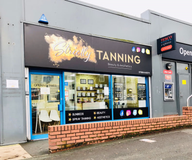Prominent Main Road Retail unit to rent . Excellent, contemporary retail unit of over 750 SQ FT (69.77 SQ M) on Manchester Road, positioned between established retailers Tesco Express and Betfred with a number of other established retailers in close...