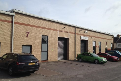 The premises provide modern, high quality industrial business accommodation of 1,541 sq.ft....