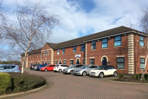 Telford Court is set in an attractive landscaped courtyard on Chester Gates Business Park adjacent to junction for A5117 and M56 approx. 0.5 mile west of Cheshire Oaks. Featuring 26 well specified office units available as whole or room by room. The...
