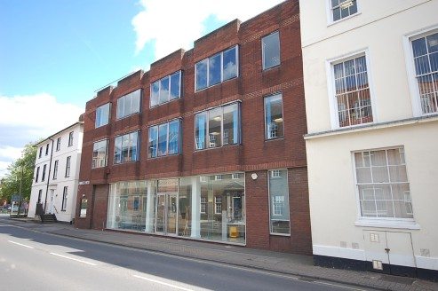 2,115 sq ft\n\nGround Floor Office Suite / Showroom\n\nJames House is a purpose built office, which provides accommodation on 3 floors. The ground floor suites is predominantly open plan but has been fitted with a private boardroom, additional meetin...
