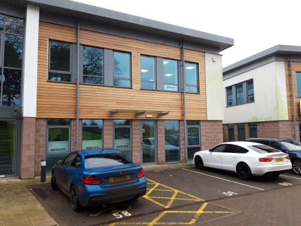 A 2,571 sq ft first floor office located on Topaz Business Park Bromsgrove. High quality office accommodation set in a secure and landscaped parkland. 250 yards from junction 1 of the M42 motorway.