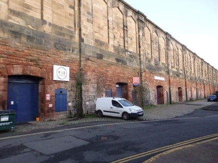 Versatile railway arch premises ideal for workshop and/ or storage use.<br><br>Internally the accommodation comprises open plan workshop/ storage area with perimeter power points, small office and WC.<br><br>ACCOMMODATION<br>Workshop 184.8.0 sq m (1,...