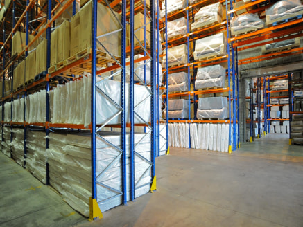 The property comprises a good quality warehouse facility with pallet space for up to 1,000 pallets available to rent on an annual basis.<br><br>Accommodation<br><br>Up to 1,000 pallet spaces available<br><br>Services<br><br>Included with the rent<br>...