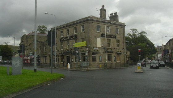 Queens Arms, 1 Bank Street, Rossendale, LancashIre BB4 7NF