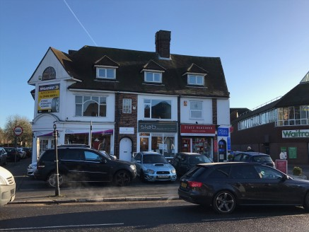 The available room is on the first floor overlooking Warwick Road and is available on flexible terms at a rent of £695 per calendar month. The charge includes electricity, water, building insurance, common part and external maintenance/repair but exc...