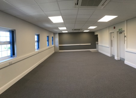 High quality open plan offices to let on Lower Mersey Street, Ellesmere Port close to the Boat Museum and M53.  Portside House is a three storey office property providing self contained, high quality refurbished office space.   The offices are open p...