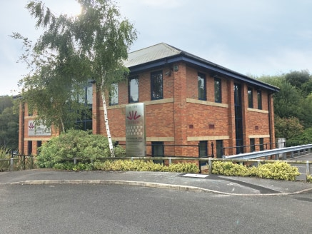The property comprises of a two storey detached brick built office building under a dual pitched and hipped slate roof.  The property provides high specification grade A, air conditioned offices. The ground floor suite provides attractive workspace b...