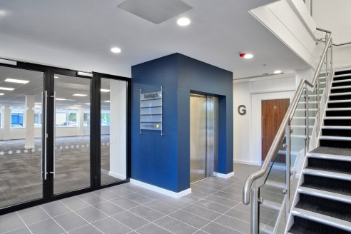 Modern fully refurbished air conditioned first floor office