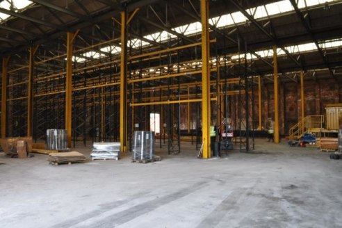 Available immediately Storage & distribution / manufacturing / industrial unit with large access / loading area Storage of 21,480 Sq. Ft. (Only £2.50 per square foot)...