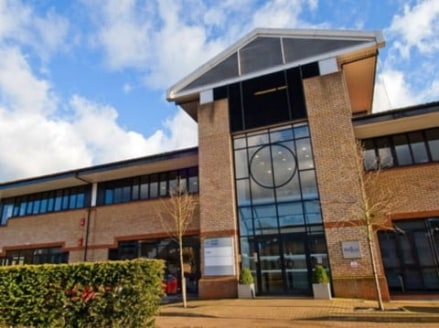 The Aston Court centre is located in an impressive business park just outside High Wycombe. This open-plan building uses a combination of light and modern architecture to create a pleasant airy environment with a mezzanine in the reception area provi...