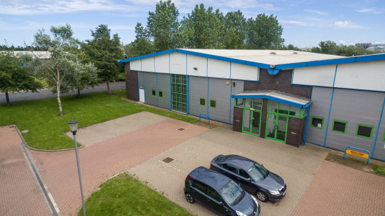 TO LET - MODERN END TERRACE INDUSTRIAL WAREHOUSE  LOCATION  The subject development is situated on Riverside Business Park, one of Teesside's premier commercial locations. The park is strategically positioned immediately adjacent to the A66 dual carr...