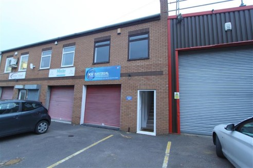 ***WORKSHOP WITH OFFICES***  A self contained light and modern industrial unit of approximately 925 sqft located at the Bonville Business Centre, Brislington. The property comprises a ground floor workshop area with well presented offices above. Bene...