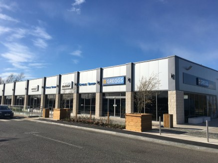 The units will be handed over to a developers shell specification and will comprise the following approximate gross internal areas: Unit 1, 9F 102 sq m (1,099 sq ft) Under Offer to Beauty Unit 2, 9E 100 sq m (1,089 sq ft) £28,000 pax AVAILABLE....