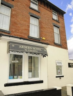 A high quality leasehold Guest House located in Blackpool Town Centre. Excellent position close to the Promenade, Tower, shops, bars and theatres. The 9 en suite letting bedrooms have central heating, double glazing, TV's, tea and coffee making facil...