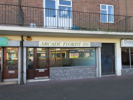 9 THE ARCADE Upper Gornal, Dudley, DY3 2DA The Arcade, Dudley, DY3 2DA Guide Price £87,500 Floor Area (Max) 828 SqFt ( 77 SqM ) The premises offer good sized accommodation by way of open plan retail with serving counter. A door from the rear of...