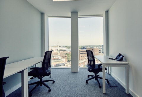 Key Features * Opposite Woking Station * Workstations from 5-100 people * Grade A Offices * Town Centre Location * Office & Co-Working Space Available * Flexible Terms Location Woking One is based in a new public square, immediately opposite Woking S...