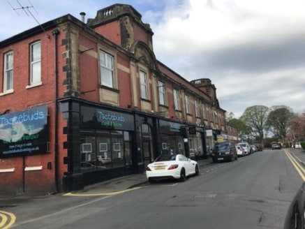The fIrst floor space wIll be fInIshed to shell condItIon and Is predomInantly open plan wIth hIgh vaulted ceIlIngs up to an eaves of 5m whIch have recently just been uncovered. The buIldIng was prevIously occupIed by Maureen Cookson womens wear, who...