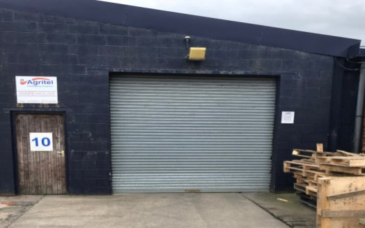 Industrial / warehouse unit which can be split.   1,728 sq ft to 3,785 sq ft  £3.50 per sq ft