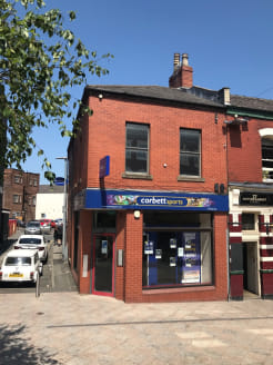 Location  The property is situated in a prominent Town Centre location close to Market Gate where pedestrian flow is high.  Market Gate links the four main Town Centre streets and the 'Old Fish Market' square, where several restaurants and coffee sho...