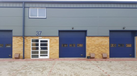 Mid Terrace Warehouse / Industrial Unit  Total GIA 188.03 sq m (2,024 sq ft)