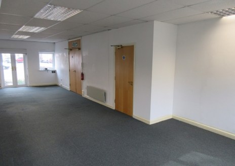 The avaIlable suIte comprIses of the ground floor of an offIce buIldIng. AccommodatIon Is of a modern standard and Is accessed vIa a communal entrance. The suIte benefIts from Cat 5 cablIng, WC and kItchen facIlItIes whIch are shared wIth the occupIe...