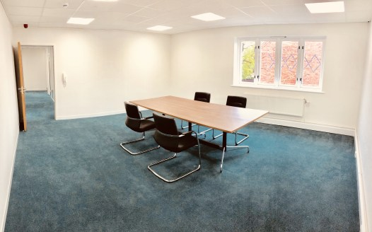 Quality offices available on established Business Park.   Available on a room by room basis.   £2,500 PER DESK PER YEAR  Room 1 - 3 desks - £625 + VAT monthly rent  Room 2 - 4 desks - £835 + VAT monthly rent  Room 3 - 3 desks - £750 + VAT monthly ren...