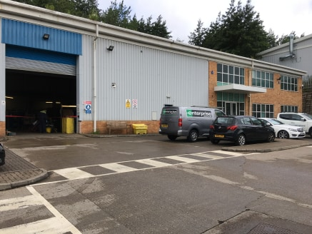 MODERN INDUSTRIAL UNIT WITH CRANES  Location  Riverside Court is located within Walker Riverside in Newcastle upon Tyne which is a well-established industrial area, particularly for businesses in the offshore and renewables sectors. Access is via the...