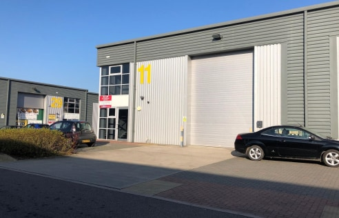 Unit 11 offers a well presented modern unit with a yard area for loading and parking. The property benefits from a solid concrete floor in the warehouse as well as a full height roller shutter loading doors.
