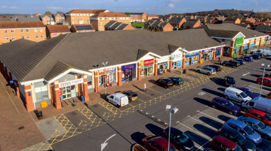 <p>The property comprises a neighbourhood scheme with adjacent Greene King Pub and children's day nursery.  To the front of the scheme is a large tarmacadam surfaced and fully delineated shared car park offering ample customer car parking provis...