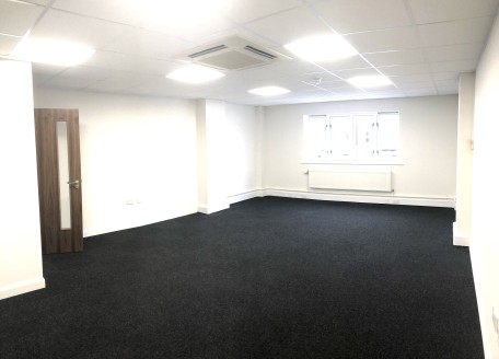 Fully refurbished office on an established business park just outside Chester. Located in a peaceful rural environment, Bell Meadow Business Park is home to a number of successful business's who enjoy extensive parking, high speed broadband and a res...