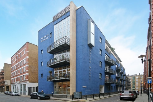 Available immediately, this self-contained modern office is situated on the ground floor of this purpose-built development. The office space is DDA compliant and primarily open plan with two partitioned meeting room spaces, a kitchenette, toilets and...