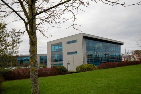 LOCATION   Esh Plaza is within Newcastle Great Park offering a superb office location.      Located only one minute from the A1 and with Park & Ride bus services running from the Great Park to the Regent Centre Metro station and onwards to the city c...