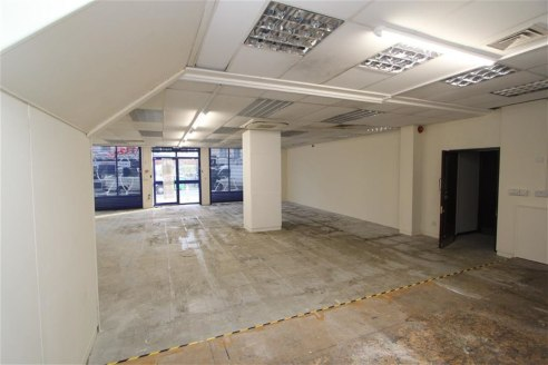 ***FORMER BETTING SHOP TO LET***  Opportunity to rent a commercial unit of approximately 1,230sqft located on Ashley Road, St Pauls providing easy access to the Bristol City Centre, Cabot Circus and M32 motorway. The property benefits from an electri...