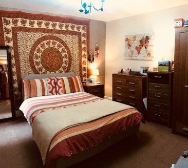 Substantial 4 storey Licensed Hotel situated in Blackpool Town Centre close to the Winter Gardens, entertainments and all amenities. Beautifully appointed 17 en suite bedrooms fully equipped for 50 guests....
