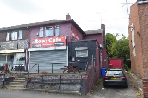 CAFE / FLAT OPPORTUNITY WITH GARAGES AND PARKING