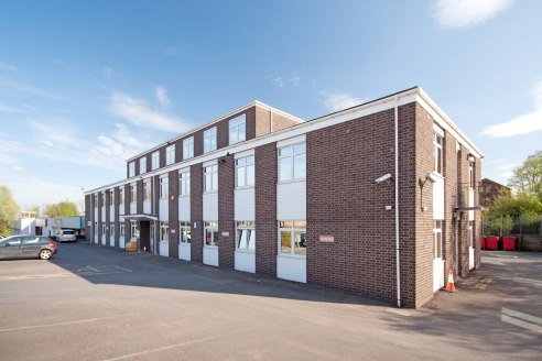 Ground and First Floor Offices  733-15,718 sq ft   £7.50 per sq ft to include service charge  Freehold on price on application