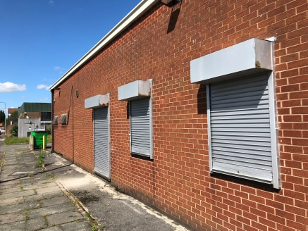 1 level access loading door. 4m eaves height. 3-phase electricity. Warehouse lighting. Dedicated yard area which could be secured. Office, WC and shower facilities.