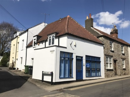 A Grade II listed mixed use investment comprising a ground floor shop/office of approximately 736sqft with a large, attractive first floor one bedroom apartment. The property is situated in a highly sought after location in Westbury On Trym village....