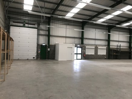 WAREHOUSE DISTRIBUTION PREMISES - TEAM VALLEY, GATESHEAD  LOCATION  Team Valley Trading Estate is recognised as the North East's principle commercial Business Park and is home to over 700 businesses on an area of industrial, office and retail accommo...